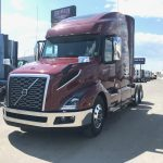 40033 VOLVO VNL64T760 CONVENTIONAL TRUCK WITH SLEEPER (40033)