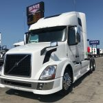 2015 VOLVO VNL64T670 CONVENTIONAL TRUCK WITH SLEEPER (15005L)