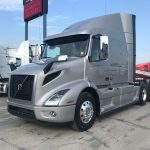 2020 VOLVO VNR64T640 CONVENTIONAL TRUCK WITH SLEEPER (40099)