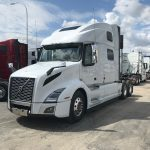 2020 VOLVO VNL64T860 CONVENTIONAL TRUCK WITH SLEEPER (40060)