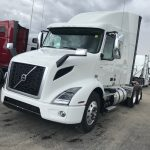 2020 VOLVO  VNR64T640 CONVENTIONAL TRUCK WITH SLEEPER (40007)