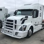 2017 VOLVO VNL64T780 CONVENTIONAL TRUCK WITH SLEEPER (40016-1)