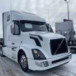 2017 VOLVO VNL64T670 CONVENTIONAL TRUCK WITH SLEEPER (40246-1)